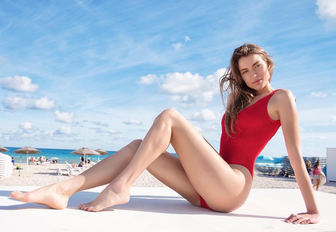 Moda-praia-2019-Tendências-para-maiôs-de-mulheres-2019