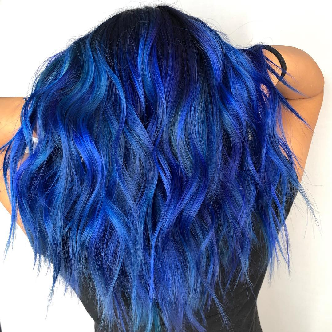 Cabelo-azul-Tendências-atuais-de-cor-de cabelo-para-mulheres