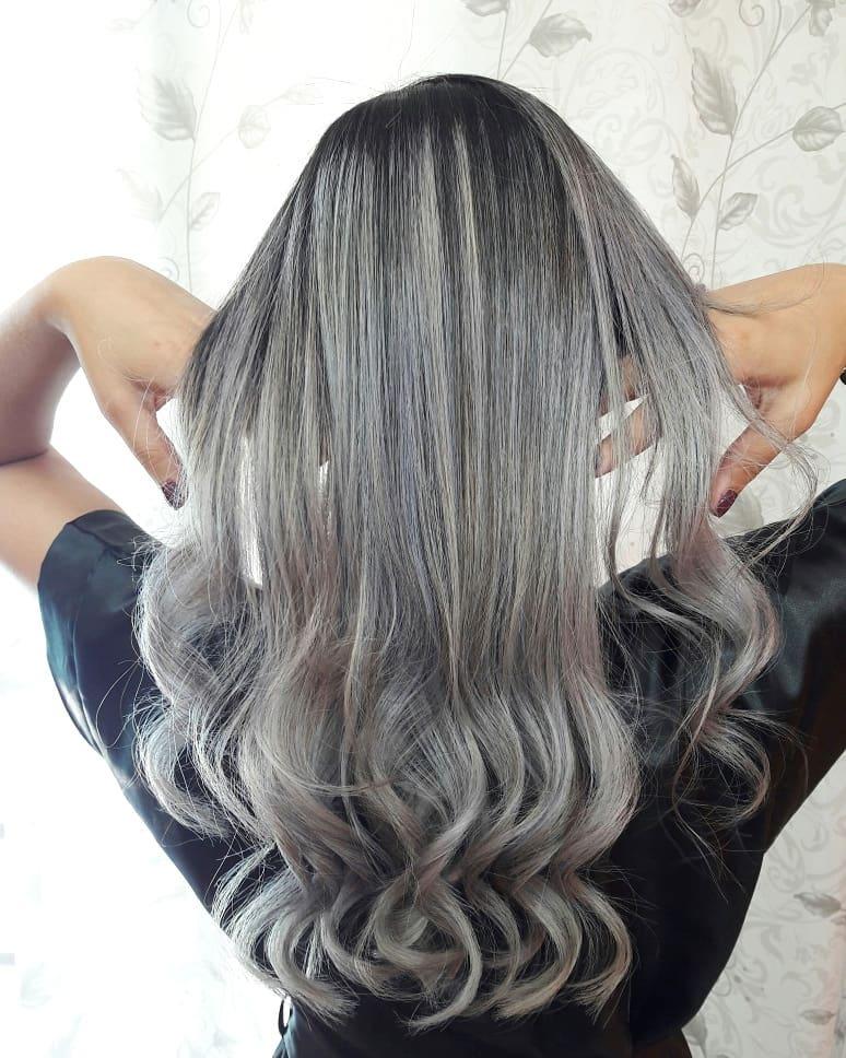 Cabelo-cinza-Tendências-atuais-de-cores-de-cabelo-para-mulheres